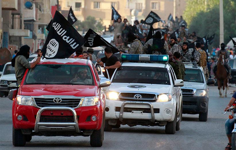 چرا گروههای تروریستی تویوتا هایلوکس دوست دارند؟