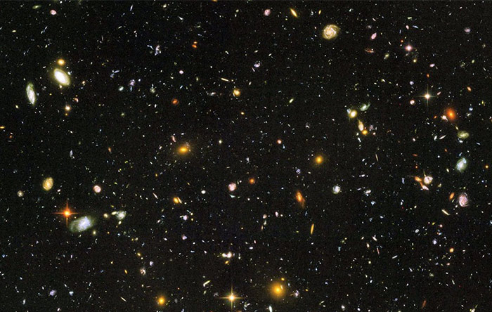 در جهان قابل مشاهدهی ما صدها میلیارد کهکشان وجود دارد