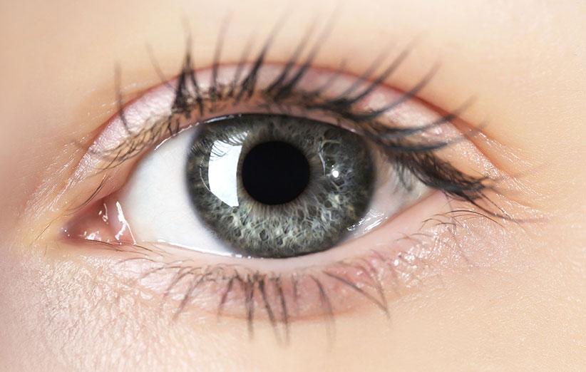چشمپزشک نپالی در 5 دقیقه نابینا را بینا میکند