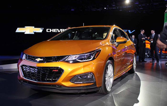 12-Chevrolet-Cruze