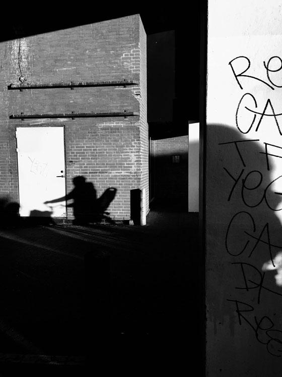 عکاسی خیابانی با دوربین موبایل ۱۸