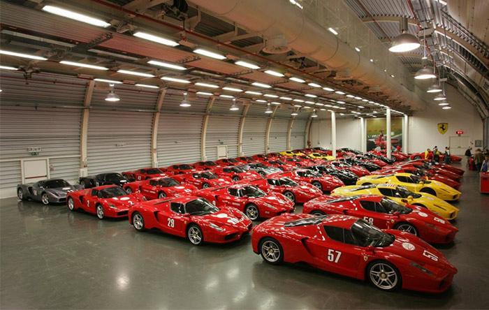 سلطان برونئی صاحب صدها خودروی لوکس است.