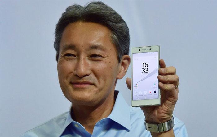کازو هیرای هنگام معرفی اکسپریا Z5
