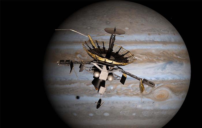 بیش از ۲۰ سال پیش فضاپیمای گالیله برای کاوش مشتری به سوی آن پرواز کرد. ولی بعضی از ابزارهای آن خراب شدند و در نتیجه ماموریت به همهی اهداف خود نرسید.