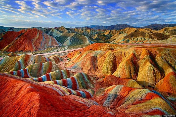 rainbow-mountains-9