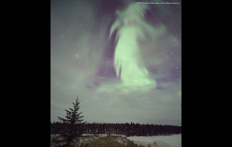 شفق روح برفراز کانادا: تصویر نجومی روز ناسا