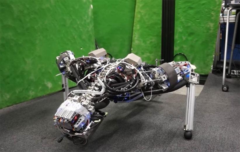 ژاپنیها رباتی ساختند که عرق میکند