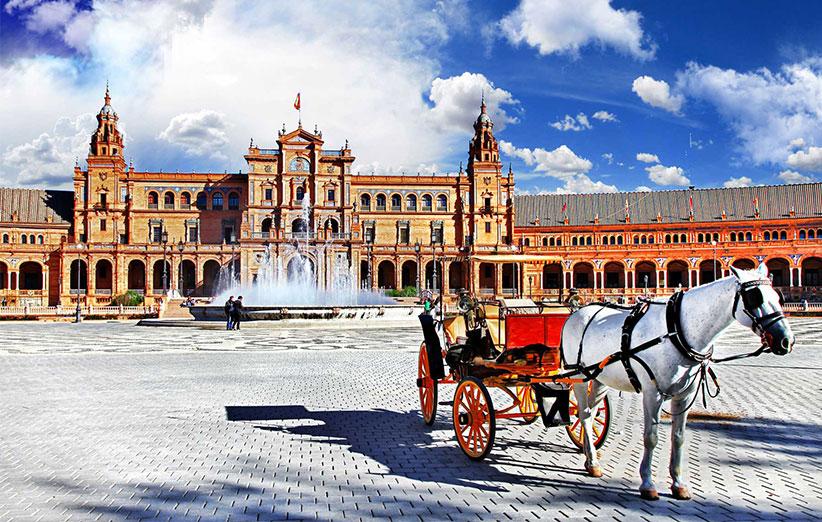 21 – اسپانیا: اسپانیا جزو 15 کشور برتر دنیا قرار میگیرد که محیط طبیعی و امنیت بالایی دارد.
