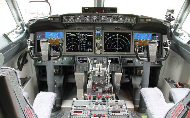 737-cockpit