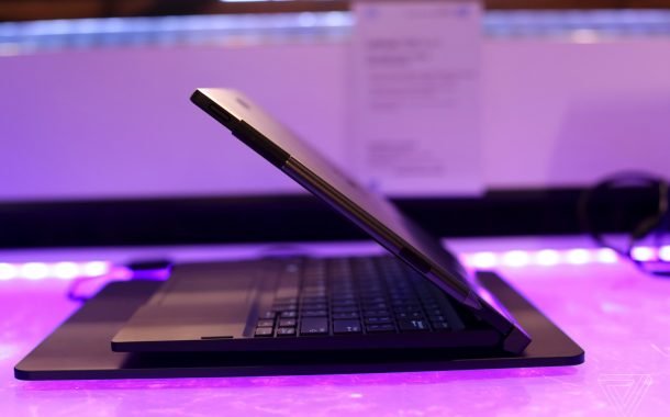 dell_latittude_7285_wireless_charging_laptop_ces_2017_13