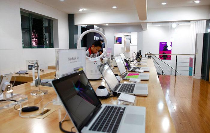 براساس تحقیقات انجام شده، بیش از 20 فروشگاه تقلبی اپل در یک شهر وجود دارد.