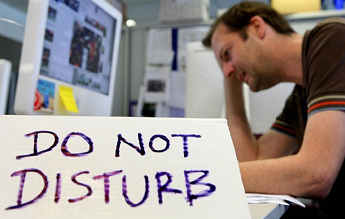Offer-do-not-disturb-workspaces-employees-can-use-when-they-need-to-concentrate-on-a-project
