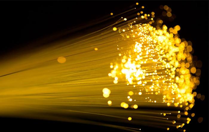 نور در بستههایی از انرژی به نام فوتون منتقل میشود