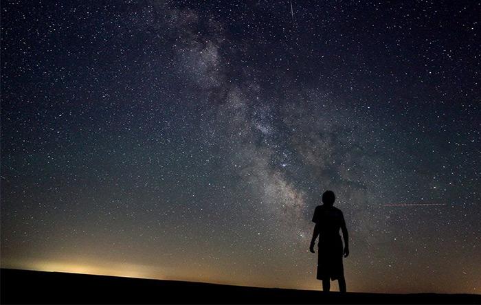 ما و همهی اشیاء اطرافمان از چند ده عنصر بیشتر تشکیل نشدهایم. عناصری که بیشتر آنها در مهبانگ و ستارهها ساخته شدهاند.