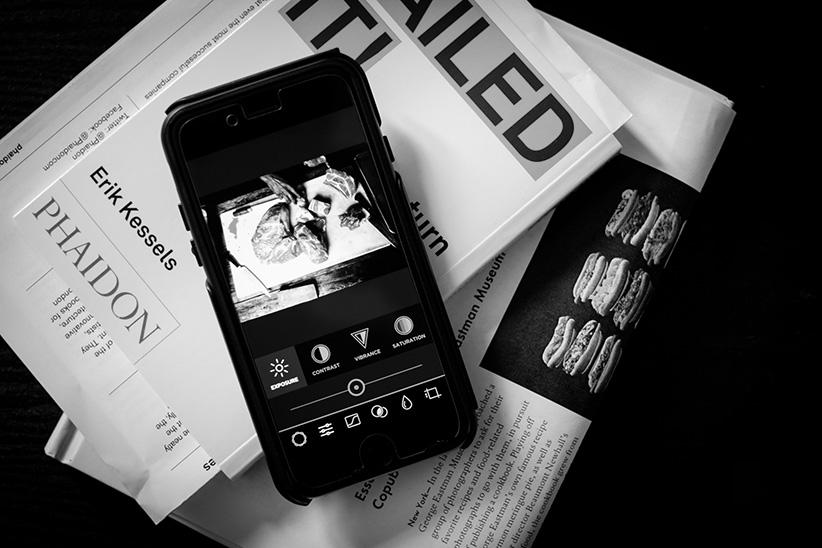 ۰۴ - عکاسی سیاه و سفید کنتراست بالا با دوربین گوشی موبایل