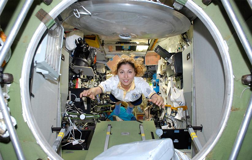 انوشه چند روز در ایستگاه فضایی بینالمللی میهمان بود.