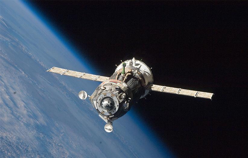 نمایی از فضاپیمای سایوز TMA در مدار زمین