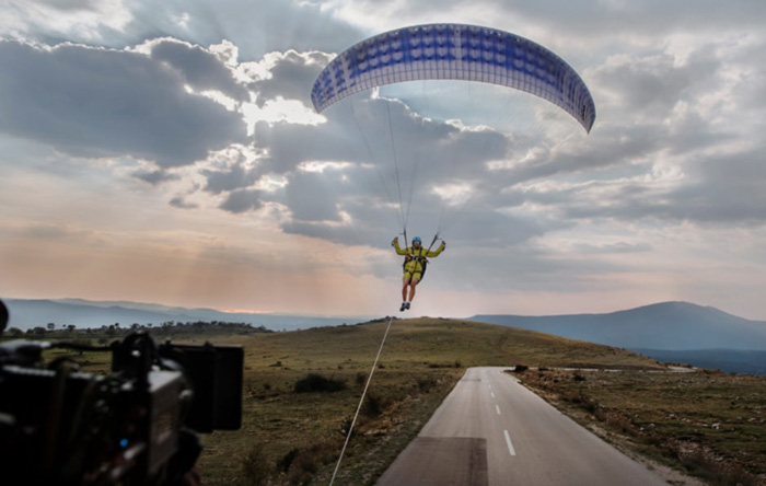 volvo-paraglider