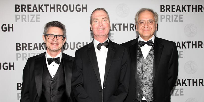 کامران وفا به همراه اندرو اشترومینگر و جوزف پولچینسکی جایزه سه میلیون دلاری پیشگامان علم در حوزهی فیزیک بنیادین را برد.