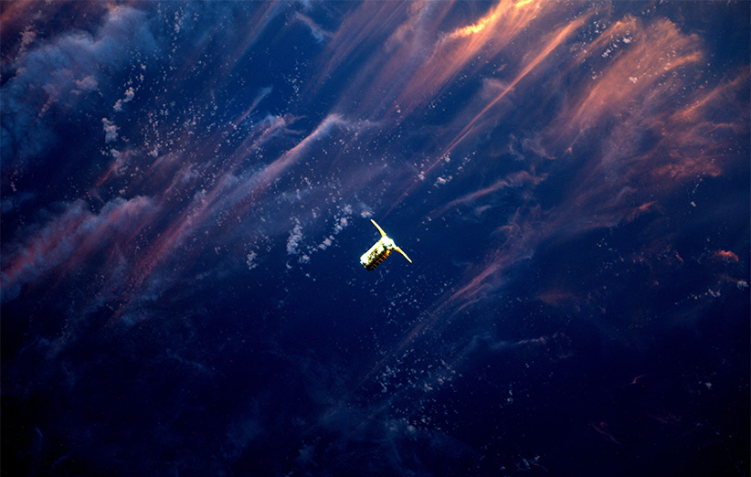 رسیدن برفراز غروب + تصویر نجومی ناسا