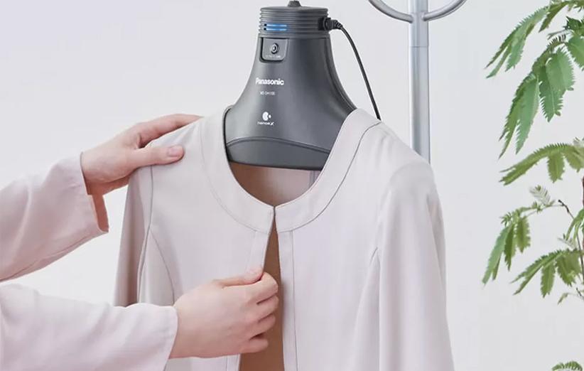 پاناسونیک یک چوب لباسی ساخته که بوی بد لباس کثیف شما را از بین میبرد!