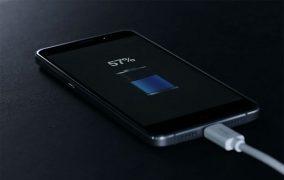 چرا نباید باتری گوشی موبایل را شبانه شارژ کنید