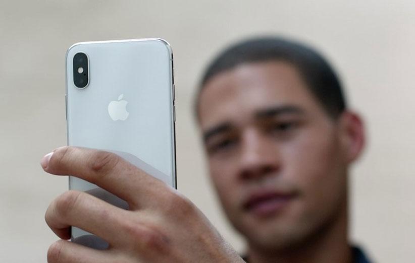 اپل در مورد دوربین آیفون 10 دروغ میگوید