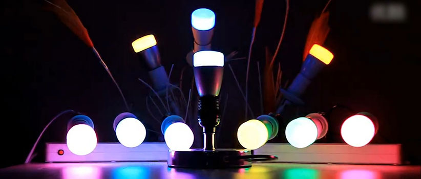7 هدیه ارزان برای گجتبازها - لامپ هوشمند
