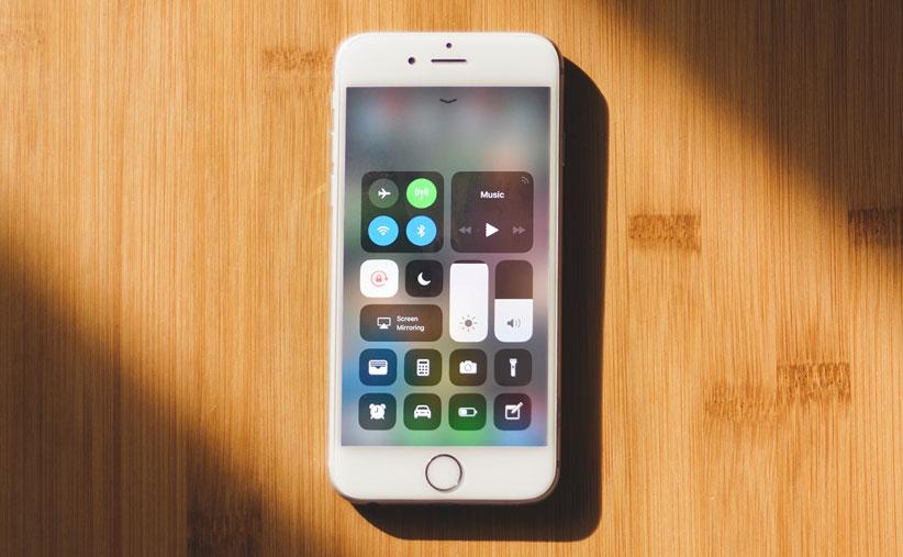 قیمت گوشی اپل 8