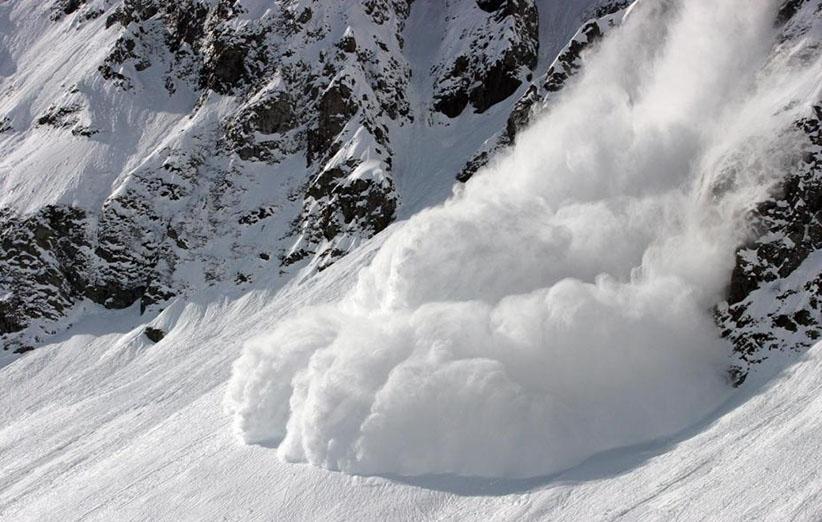Image result for عکسهای بهمن در کوهستان