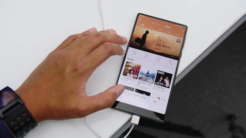 3 6 - ۶ راه حل جایگزین برای بریدگی نمایشگر گوشیهای هوشمند
