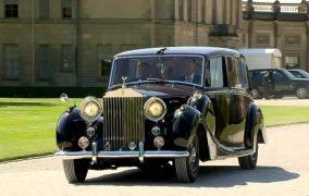ماشین عروسی سلطنتی