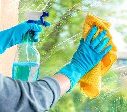 ۱۳ عادت بد در تمیز کردن خانه که باید کنار بگذارید