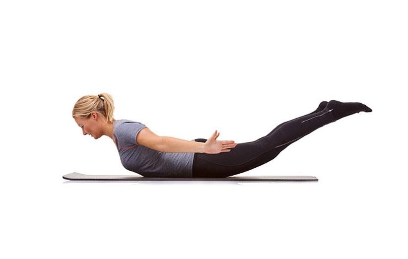 ۴ ورزش ساده برای لاغر کردن پشت و کمر