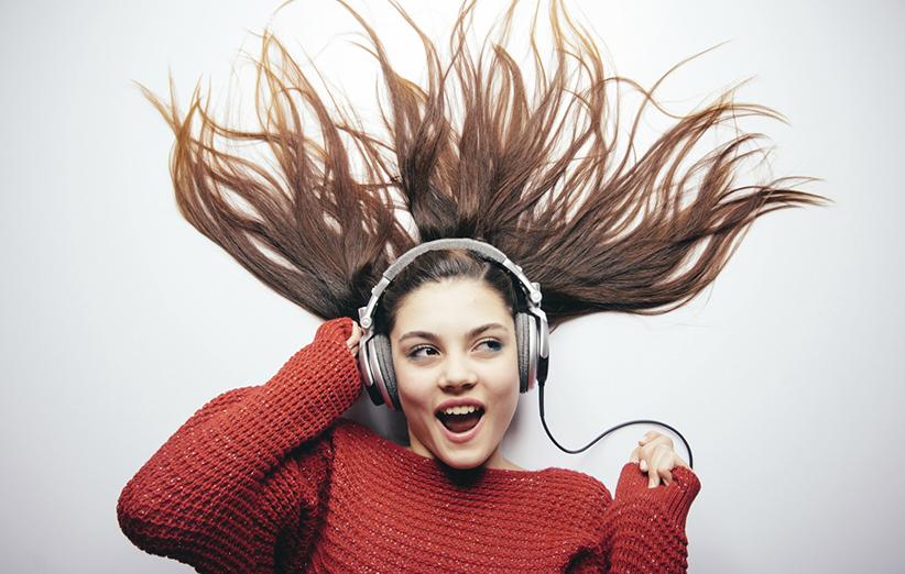 موزیک گوش کردن