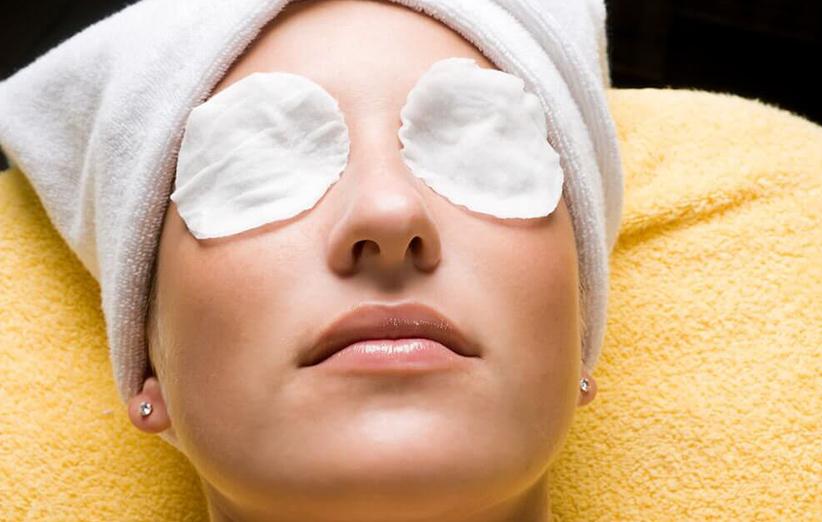 کاهش پف چشم