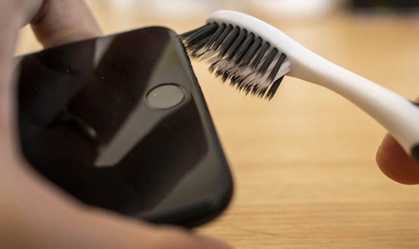 تمیز کردن آیفون