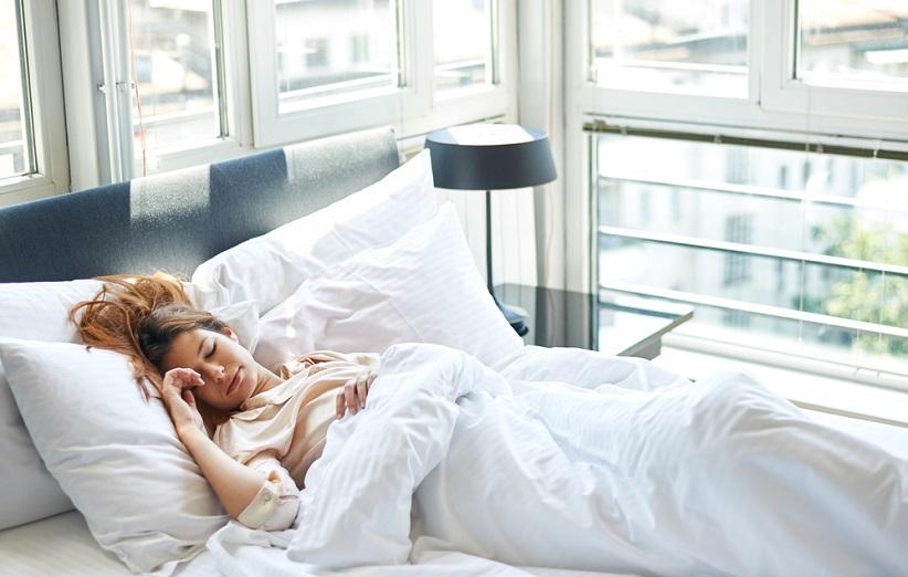 طاق باز خوابیدن