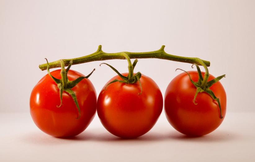 آب گوجه فرنگی برای پوست