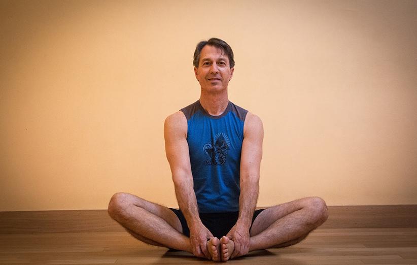 آموزش حرکات یوگا