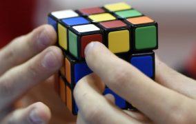 این هوش مصنوعی به تنهایی حل کردن مکعب روبیک را یاد گرفته است