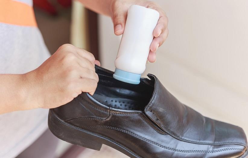 جوش شیرین برای تمیز کردن کفش چرم