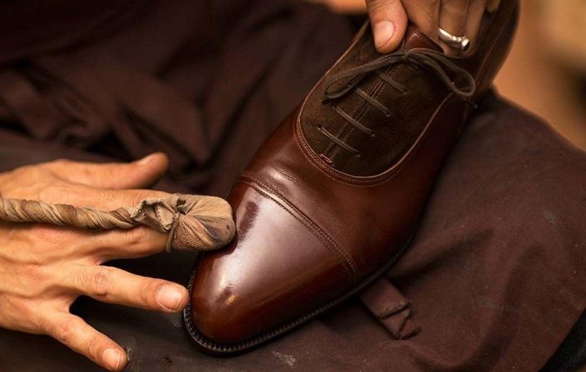 تمیز کردن کفش چرم