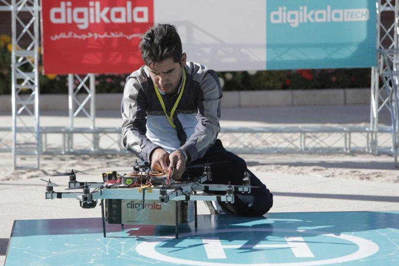 مسابقهی رباتهای پرندهی حمل کالا