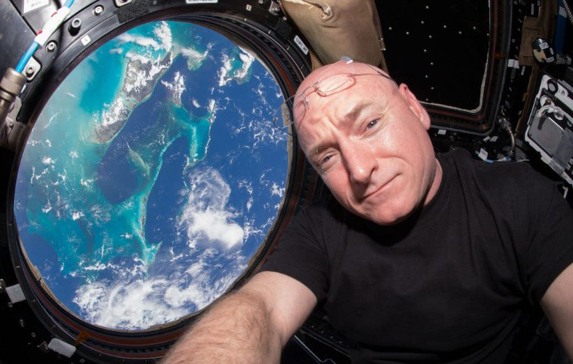 فضانورد قرنطینه