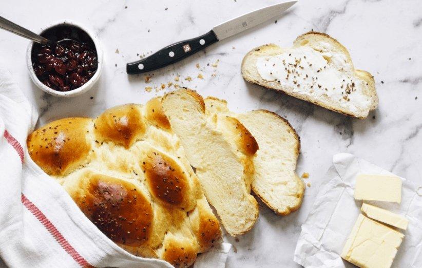 طرز تهیه نان صبحانه فانتزی خانگی