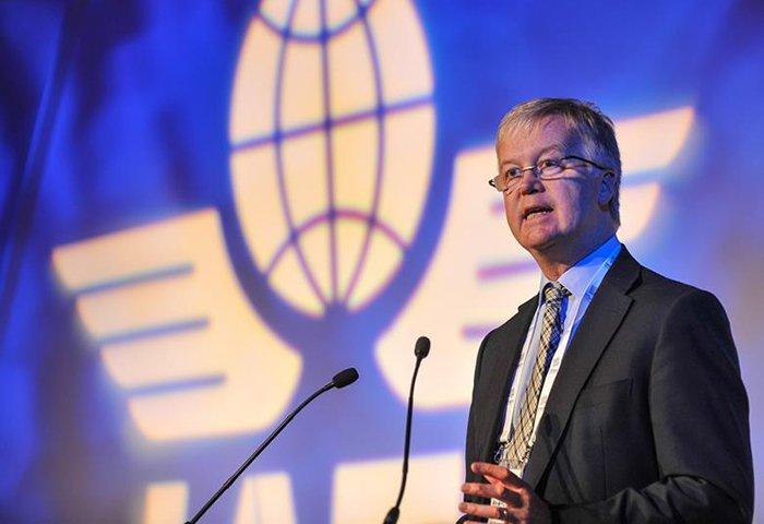 برین پیرس، اقتصاددان ارشد یاتا