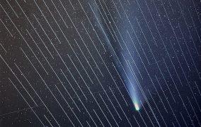 دنباله دار نئووایز و رد ماهوارههای استارلینک