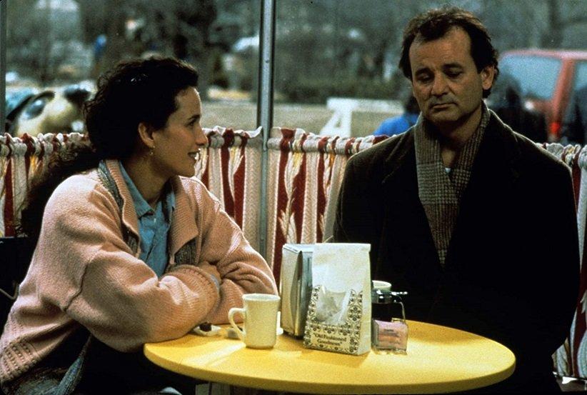 نمایی از فیلم روز موشخرما - بهترین فیلمهای دهه 90 میلادی