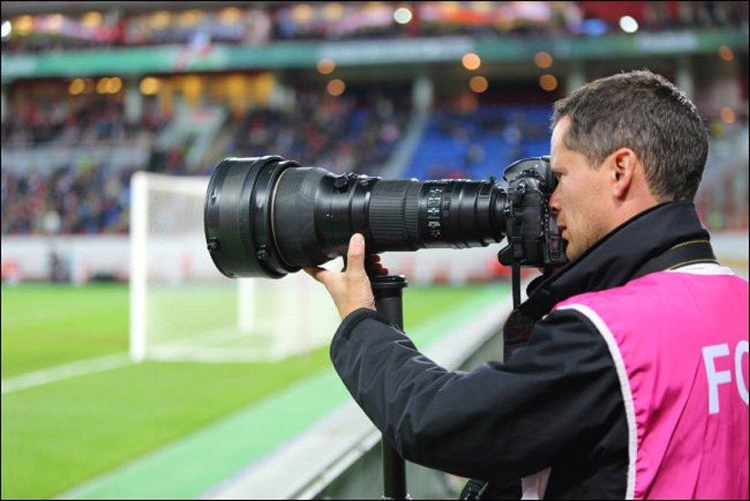 عکاس ورزشی با دوربین تله